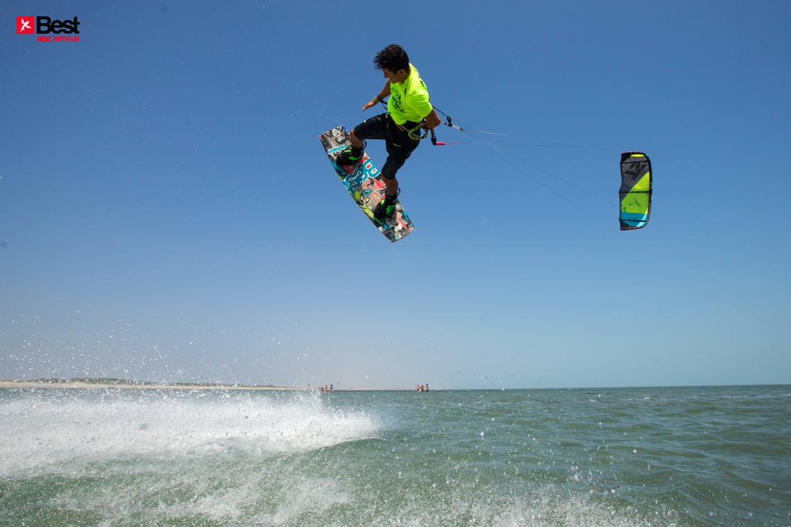 Alexandre Neto with a nice session back home in Brazil on the 2015 Best kiteboarding TS and Profanity board - kitesurfing