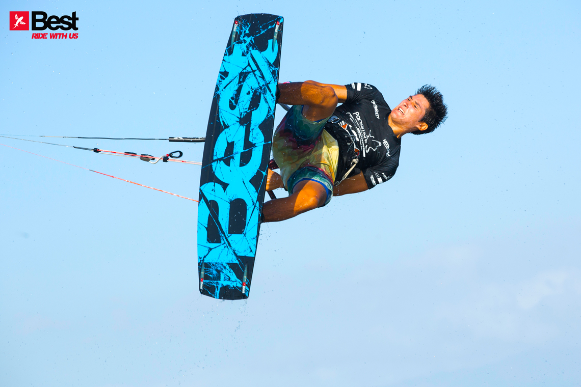 Alexandre Neto handle passing on the Best kiteboarding gear
