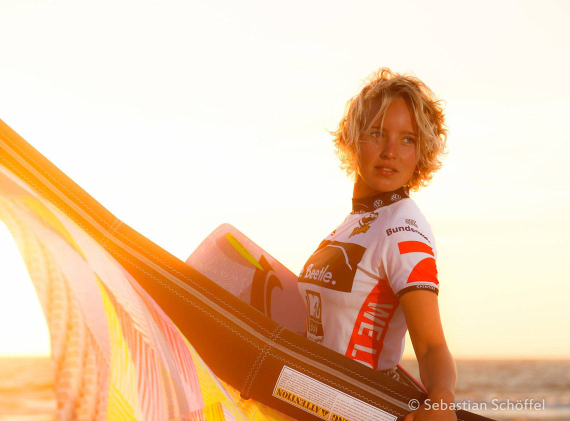 Annabel van Westerop sunset with kite