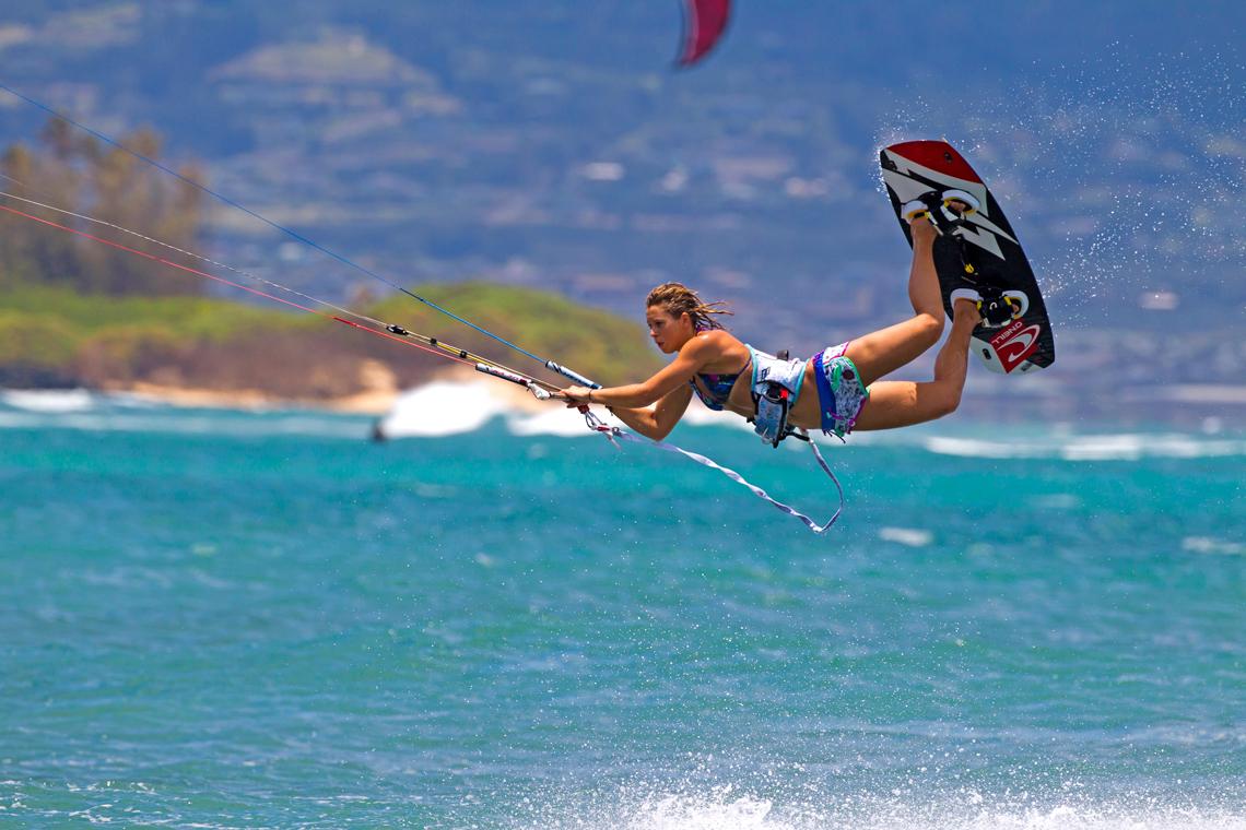 http://www.kitesurfwallpaper.com/images/detail/naish-kiteboarding-jalou-langeree-raily.jpg