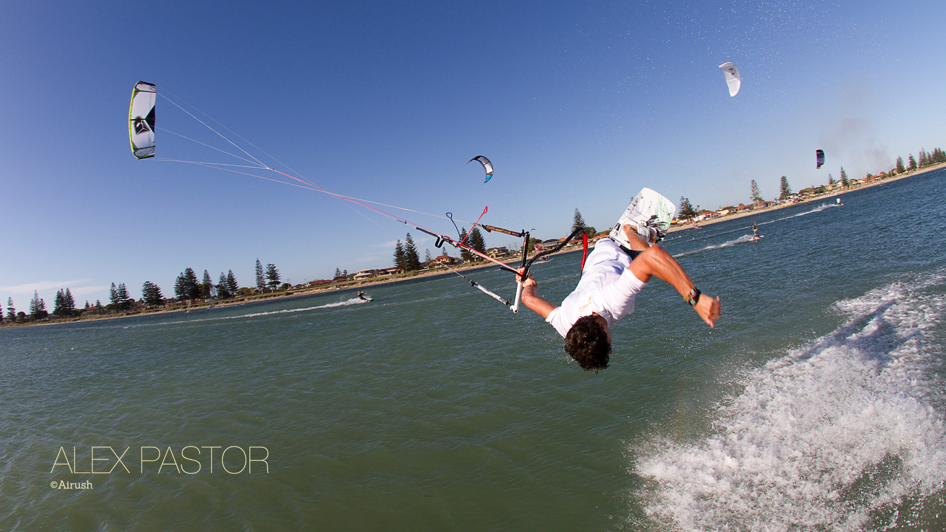 kitesurf wallpaper image - Alex Pastor with a low handlepass - in resolution: High Definition - HD 16:9 1920 X 1080