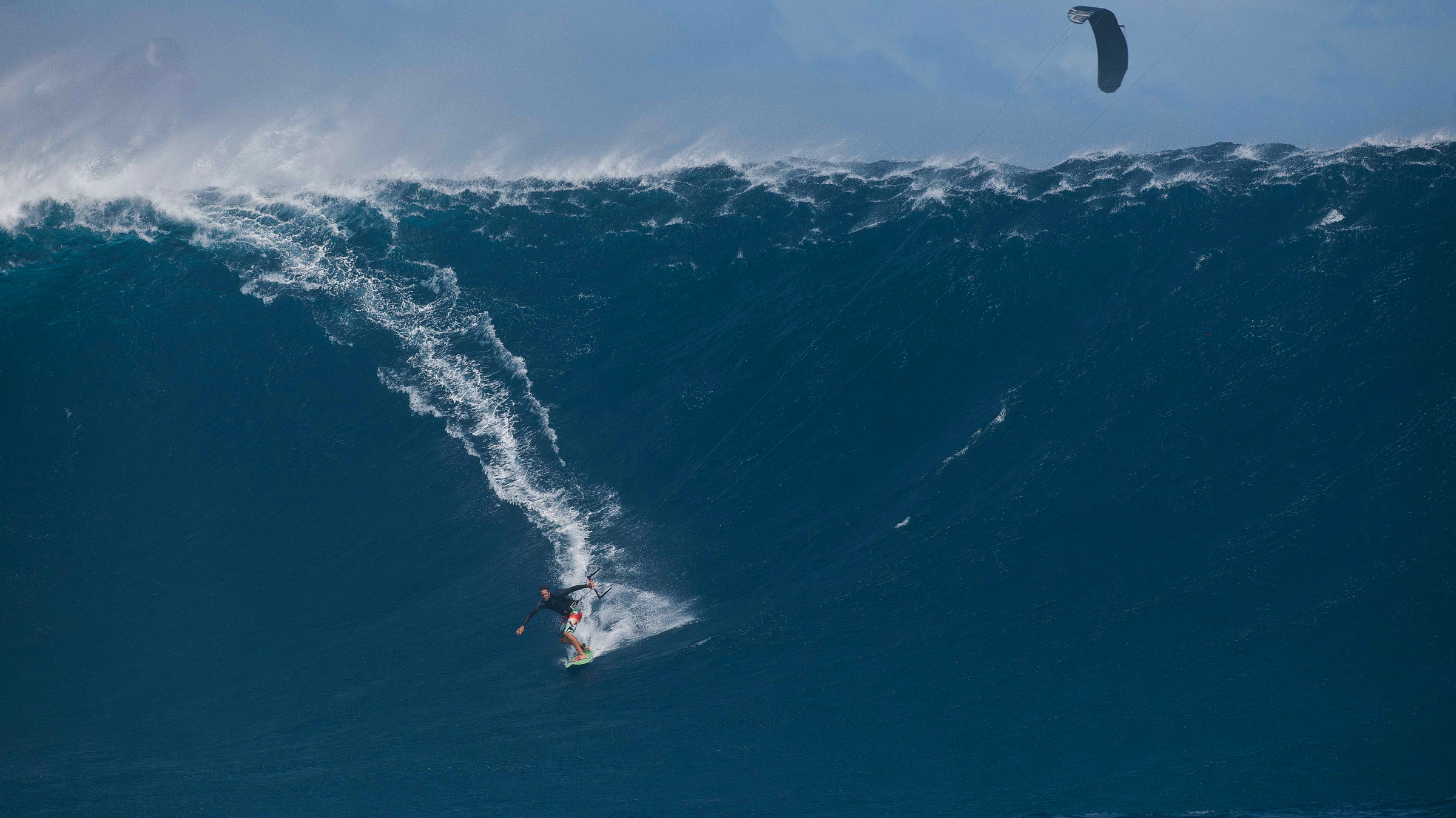 kitesurf wallpaper image - Ben Wilson on what must be the biggest wave ever kitesurfed - in resolution: High Definition - HD 16:9 2400 X 1350