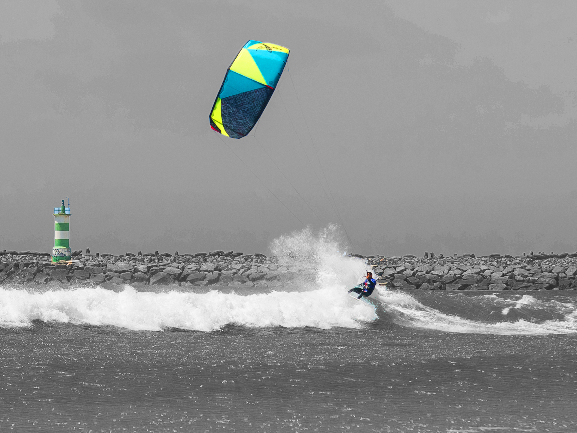 kitesurf wallpaper image - Giving the 2015 Best Cabo kite a thrashing in the waves - in resolution: Standard 4:3 1920 X 1440