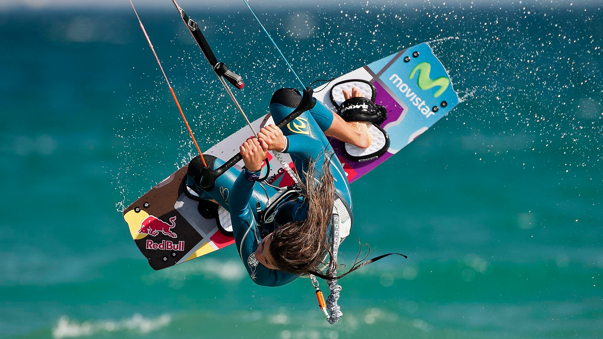kitesurf wallpaper image - Gisela Pulido giving it all during contest - in resolution: High Definition - HD 16:9 1920 X 1080