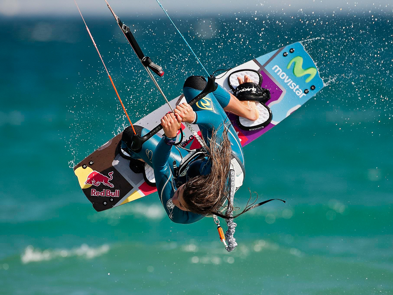 kitesurf wallpaper image - Gisela Pulido giving it all during contest - in resolution: Standard 4:3 1280 X 960