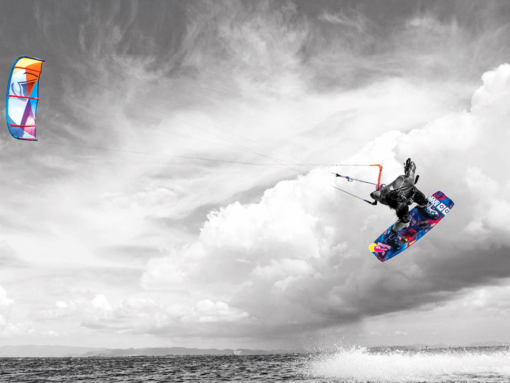 kitesurf wallpaper image - Christophe Tack on the 2015 Liquid Force HIFI-X kite and element kiteboard during a handle pass  - in resolution: iPad 1 1024 X 768