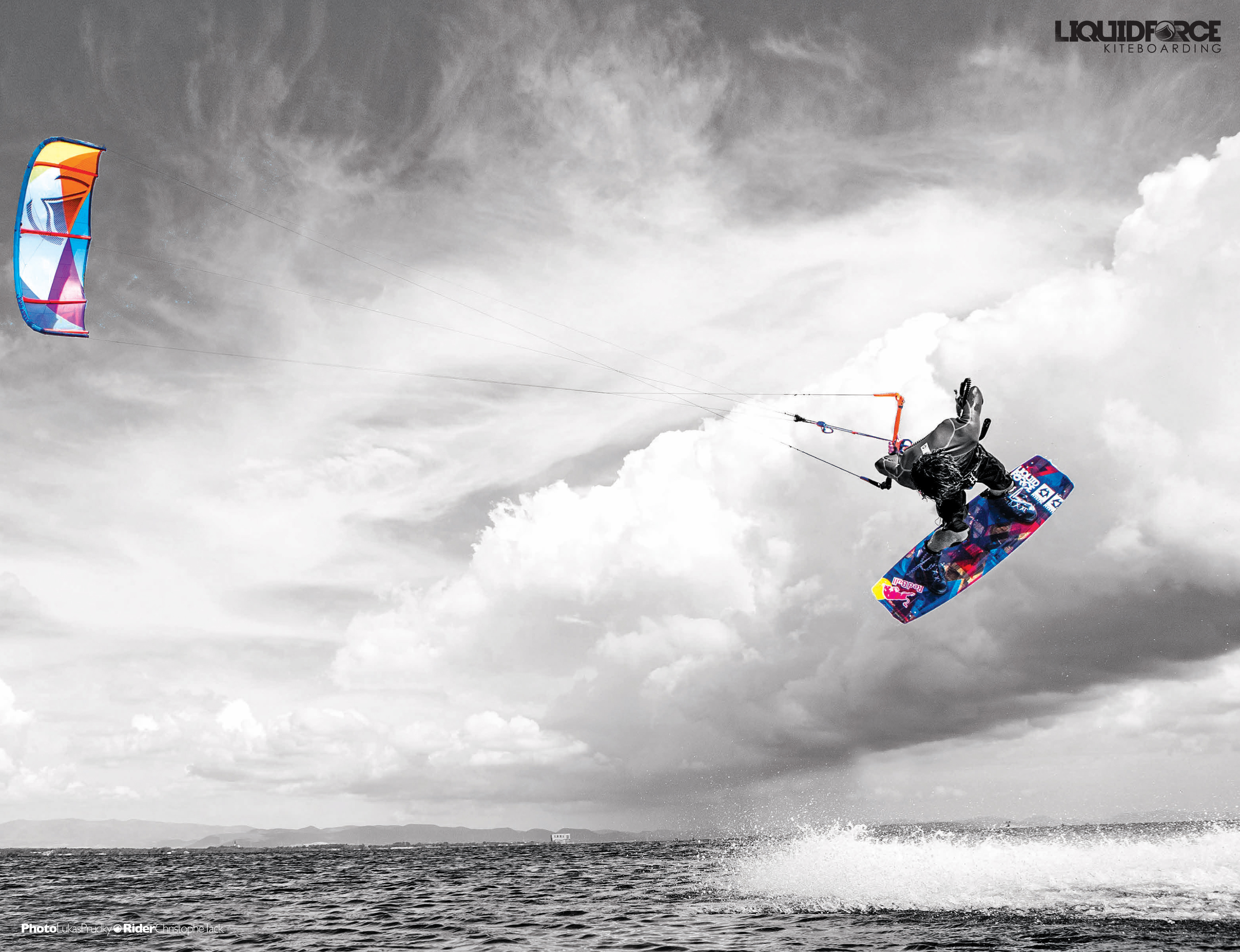 kitesurf wallpaper image - Christophe Tack on the 2015 Liquid Force HIFI-X kite and element kiteboard during a handle pass  - in resolution: Original 3203 X 2459