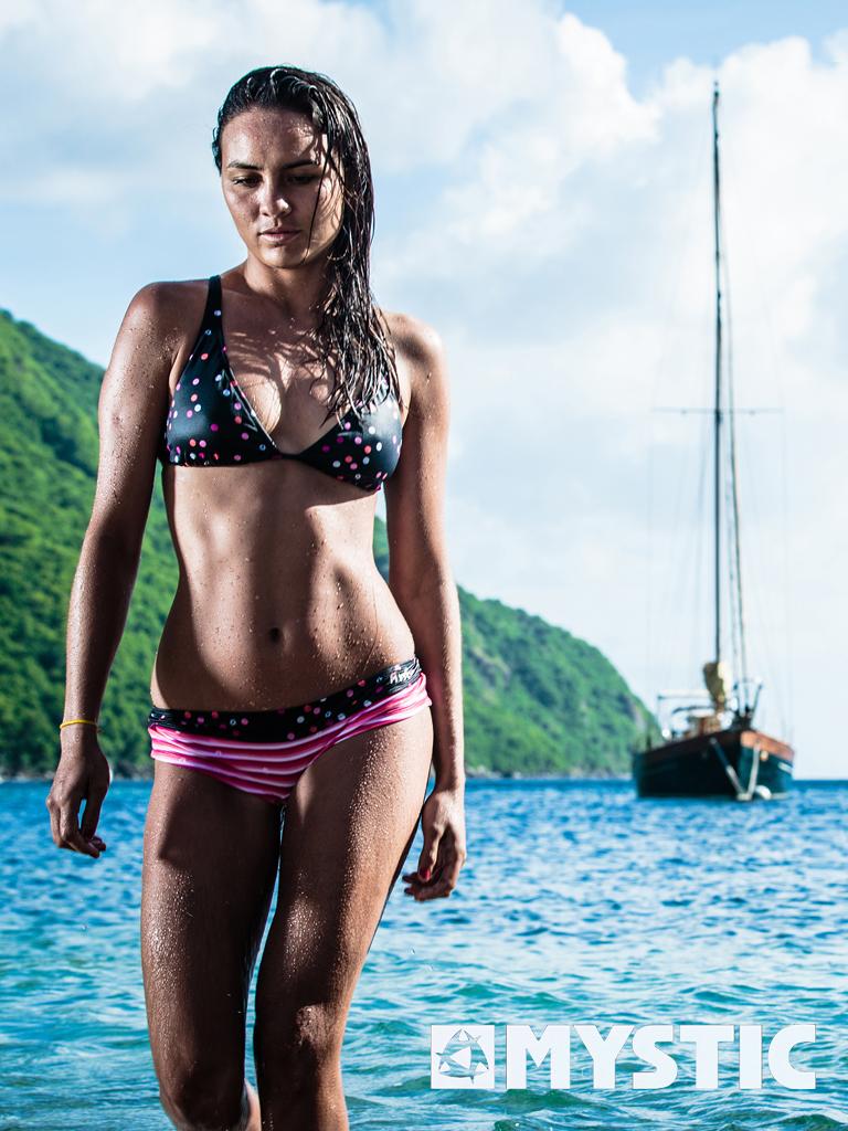kitesurf wallpaper image - Bruna Kajiya showing off an excellent bikini after a day in the surf. - in resolution: iPad 1 768 X 1024