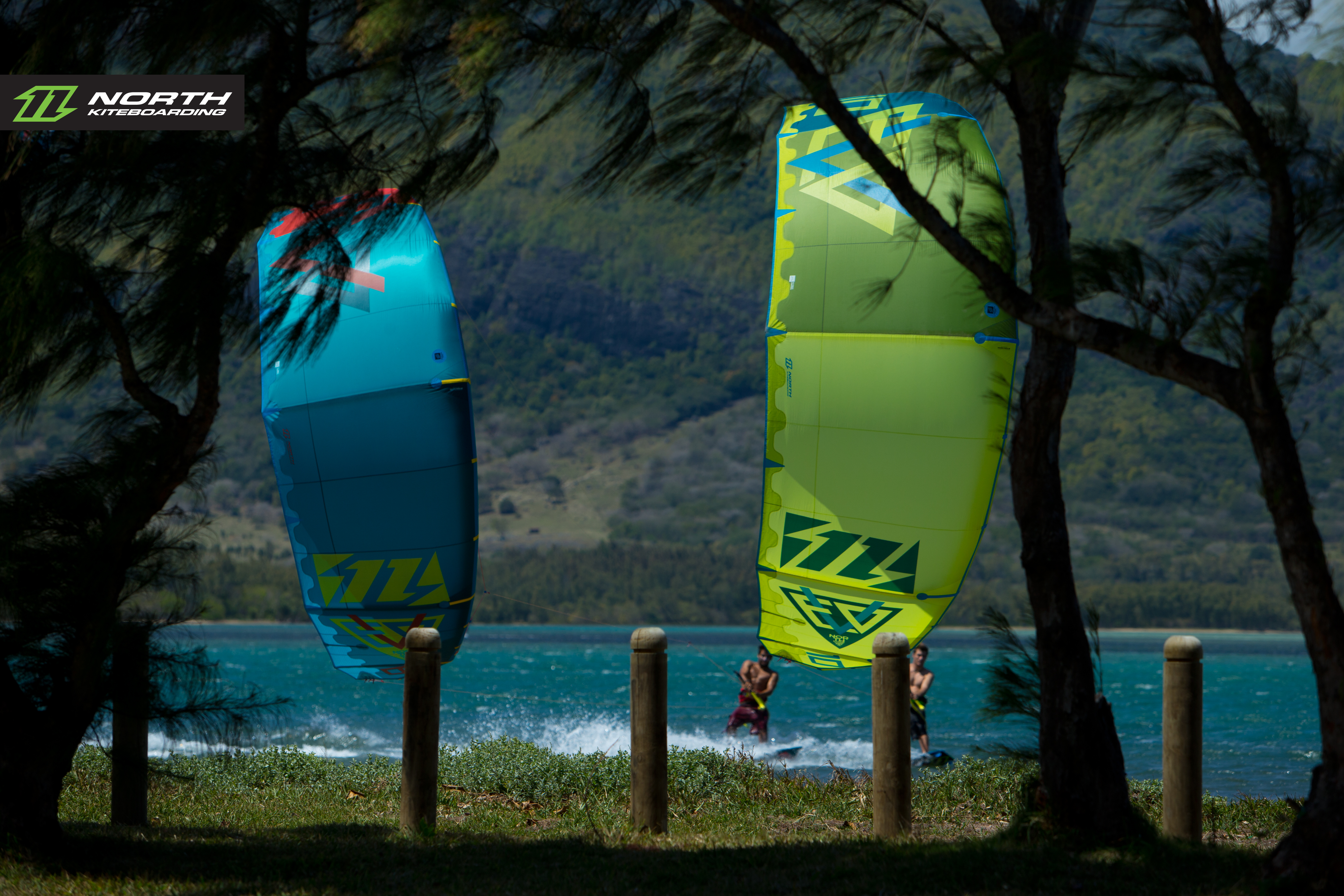 kitesurf wallpaper image - North Evo 2015 duo cruising between the trees - kitesurfing - in resolution: Original 5184 X 3456