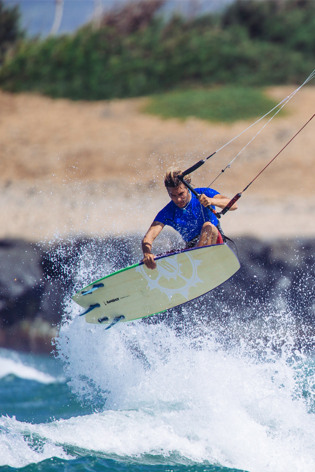 kitesurf wallpaper image - Patrick Rebstock on the 2015 Slingshot Angry Swallow kiteboard - in resolution: iPhone 640 X 960