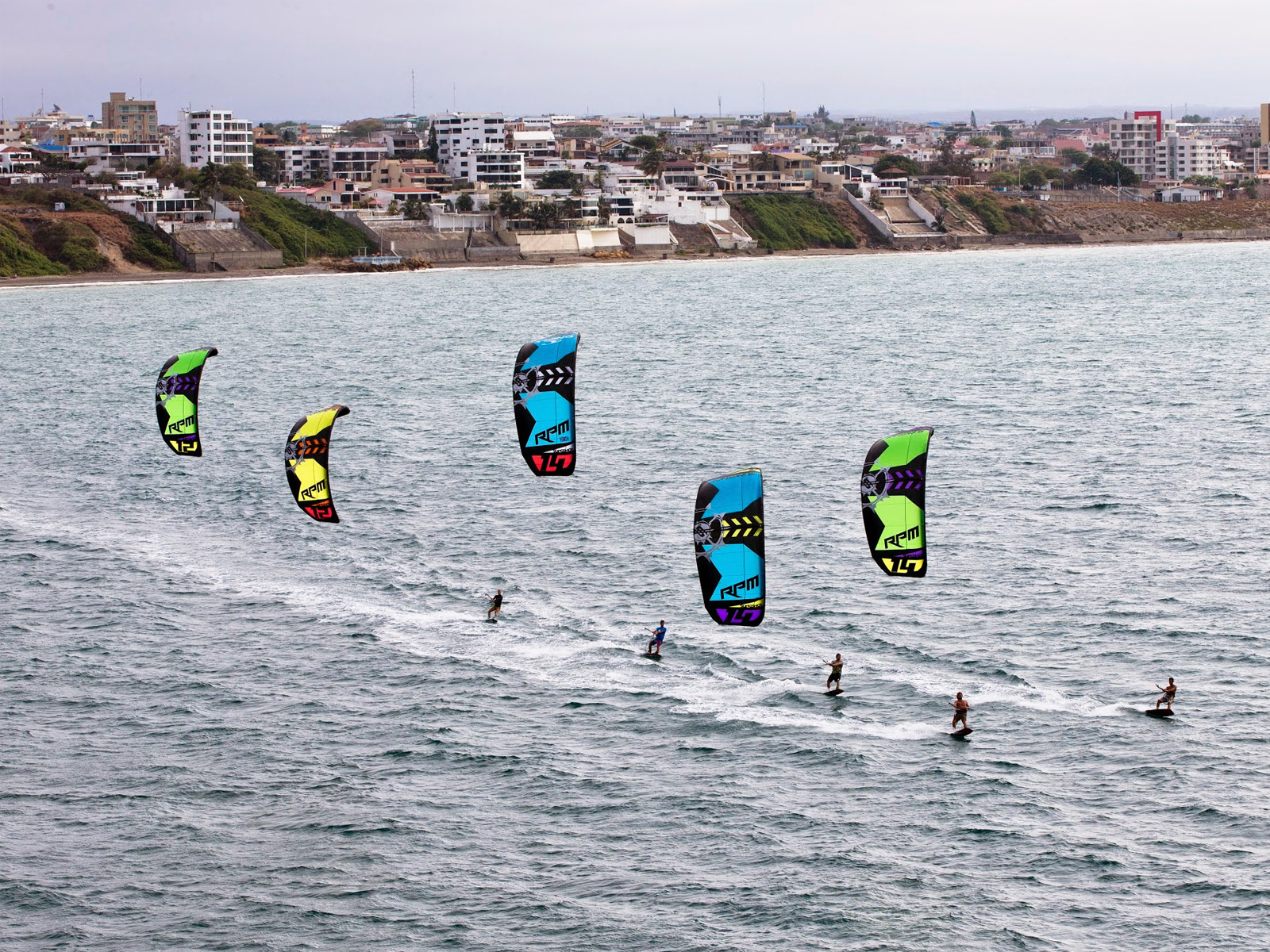 kitesurf wallpaper image - Slingshot RPM riders taking control of the bay - in resolution: Standard 4:3 1600 X 1200