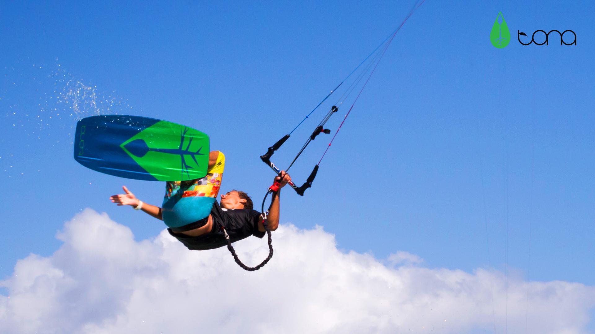 kitesurf wallpaper image - Jake Kelsick on the Tona Pop board handlepassing awefully close a C4 Ozone kite - in resolution: High Definition - HD 16:9 1920 X 1080